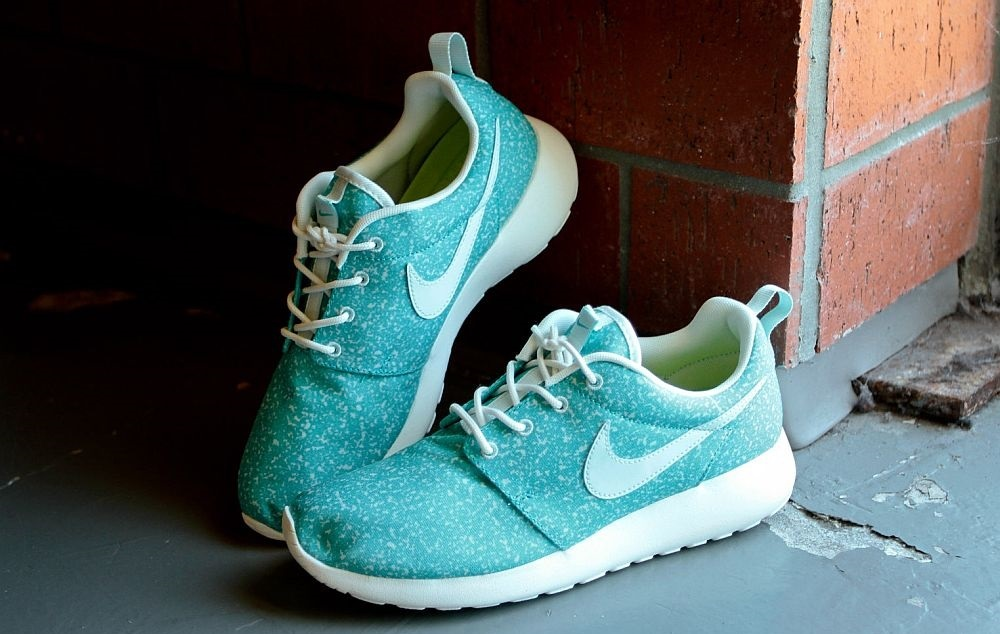 Nike women's roshe run