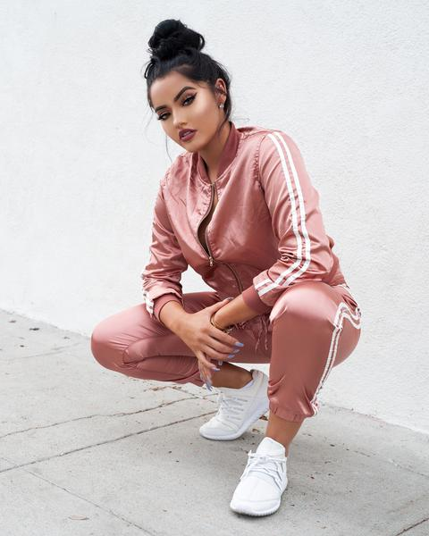 Oink Outfit Sweatsuit With Nike Shoes