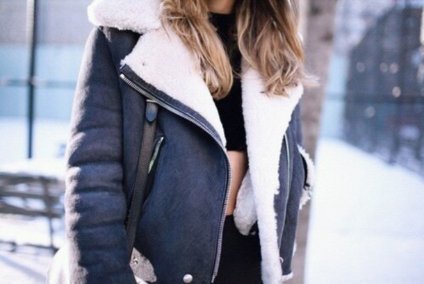 jacket coat manteau doudoune white fuzy blue coat blue and white coat cozy blue winter outfits winter coat sweet