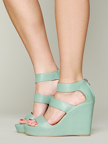 Matiko  london wedge at free people clothing boutique