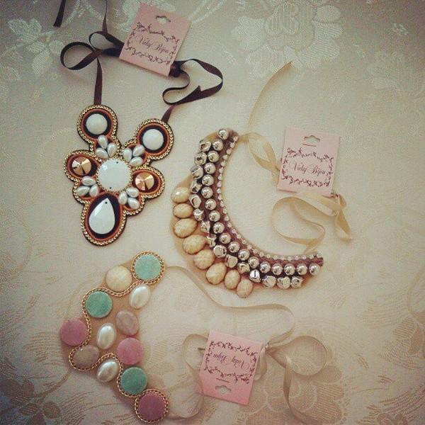 jewels bib necklaces