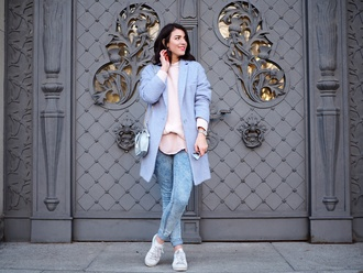 samieze blogger coat sweater top jeans bag jewels blue coat sneakers skinny jeans chain bag