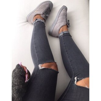 shoes trainers jeans ripped urban wool nails grey gray monochrome brown tumblr skinny jeggings sneakers comfy cute black ankle