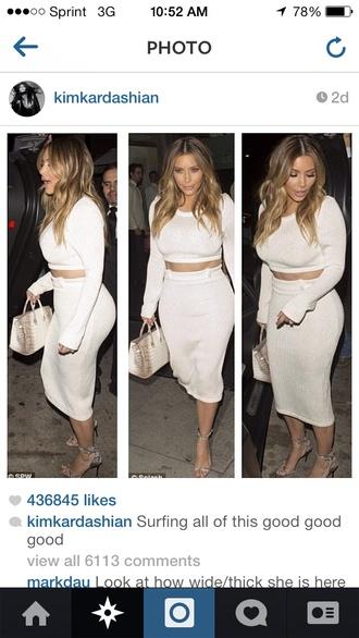 t-shirt kim kardashian skirt