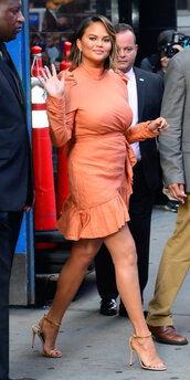 dress,chrissy teigen,mini dress,sandals,celebrity,orange dress