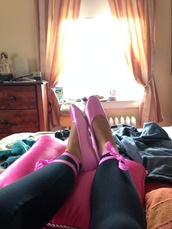 shoes,pink flats,ballet flats