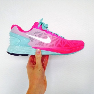 nike running shoes nike air nike sneakers nike free run nike shoes nike trainers tennis shoes shoes baby blue hot pink girly workout cute fashion light blue blue light pink pink running shoes