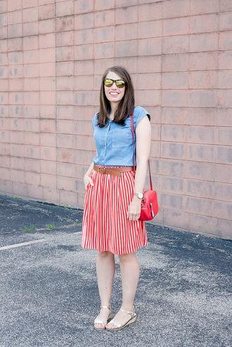 styleontarget blogger shirt belt bag jewels skirt striped skirt blue top sandals shoulder bag red bag denim top summer outfits
