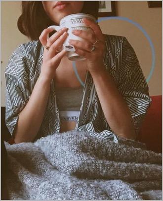 cardigan triangles white cardigan black cardigan black and white cardigan tea mug girl women instagram cozy ring bra grey grey bra bra top calvin klein