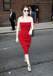 dress,strapless,red dress,anna kendrick,sandals,midi dress,bustier dress