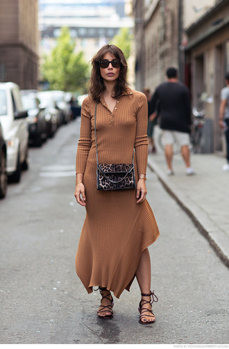 carolines mode blogger knitted dress animal print bag strappy flats beige knit dress maxi knit dress knitwear