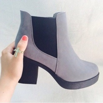 boots tumblr boots grey boots low boots low girl fall outfits cold weather shoes winter boots fall shoes