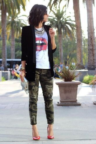 pants white graphic t-shirt black blazer camo pants red heels blogger statement necklace