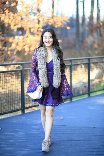 sensible stylista blogger shoes dress jacket bag lace dress bell sleeve dress booties