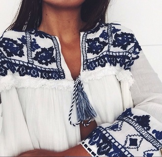 t-shirt navy white top white t-shirt white blouse blue shirt zara beautiful summer top summer shirt white broderie anglaise ethnic coachella arabic arabic style blouse blue and white boho shirt shirt peasant