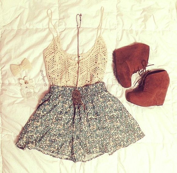 bows top shorts wedge booties