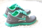 shoes,nike running shoes,nike,aqua,light grey,nike free run gray white and teal