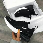 shoes,nike,black,black and white,white,sportswear,sports shoes,nike shoes,nike running shoes