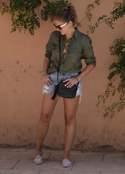 blogger shirt shorts sunglasses bag jewels shoes