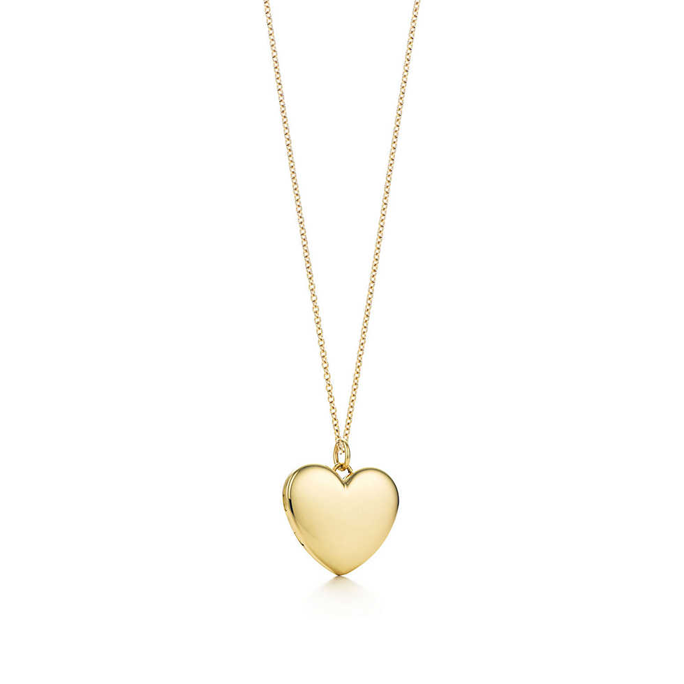 Heart locket pendant in 18k gold, large.