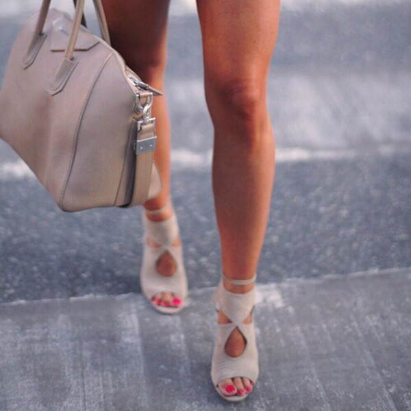 shoes heels grey bag colorful brand nude high heels nude stilettos gorgeous nude heels beige high heels sandals want now sooo prettyyy style perfecto cream high heels sexy shoes booties pastel wow