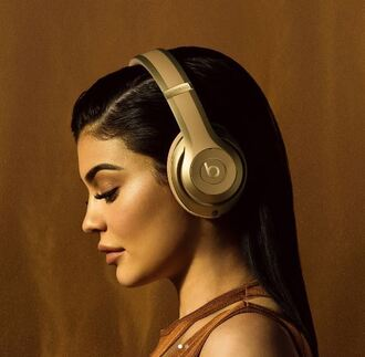 earphones beats by dr dre headphones kylie jenner balmain editorial kardashians instagram