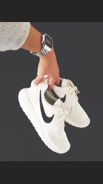 shoes jewels nike roshe run nike white trainers tick roshes nike roshe runs white with black tick nike roa white sneakers roshe runs nike roshe runs white white nike white roshe runs nike roshe run black white