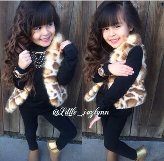 coat leopard print giraffe print cute curly hair bangs watch gold watch black boots beige beige boots gold boots leggings black clothing vest fur fur coat fur vest fashion kid diva style kids fashion necklace fall outfits faux fur faux fur jacket faux fur vest