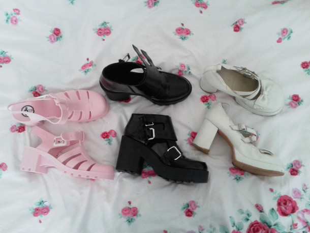 8e7d75ea655f shoes juju heels jellies jellies black rose sandals