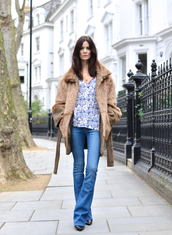 northern light,blogger,70s style,floral shirt,faux fur jacket,flare jeans,kick flare jeans
