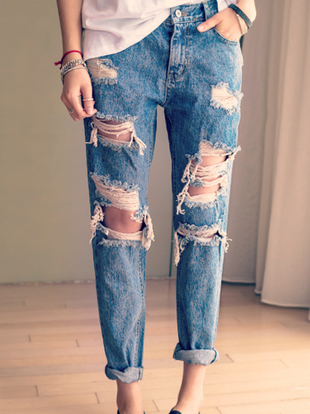 Shredded Boyfriend Jeans - Nerdy Youth