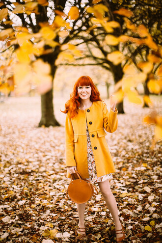 the clothes blogger coat dress jewels shoes bag fall outfits yellow coat round bag pumps