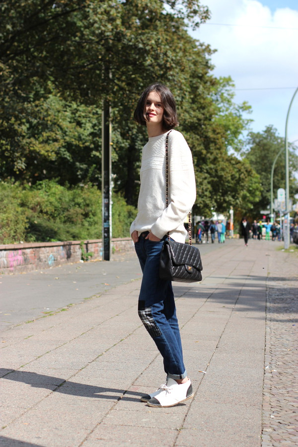 by chill blogger jeans shoes bag