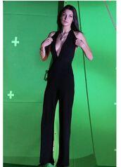 jumpsuit,black,plunge v neck,bella hadid,model,pants,top