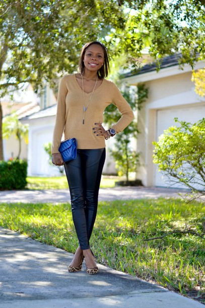 cha cha the fashion genius blogger v neck jumper leather leggings sweater leggings shoes bag jewels