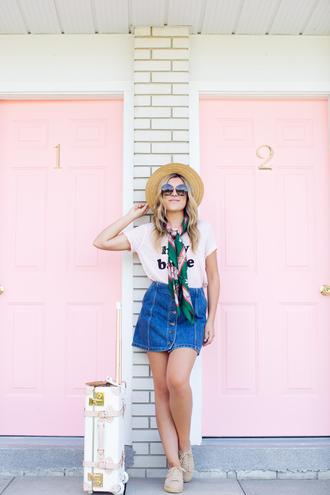stephanie sterjovski - life + style blogger t-shirt skirt shoes sunglasses scarf dress