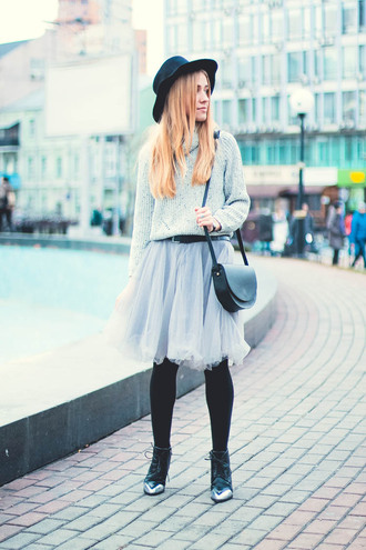city fashion: my vision blogger tulle skirt light blue shoulder bag black hat turtleneck
