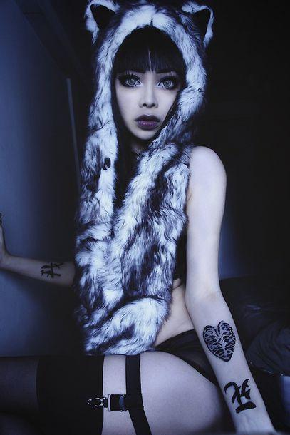 wolf grunge style make-up make-up hat fur hooded scarf fur hood tattoo face makeup