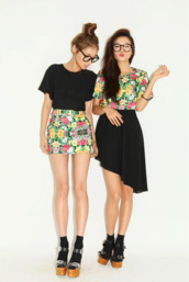 skirt,floral,top,hipster,tumblr,shorts,blouse,black,shirt,stylenanda,miniskirt,asian,crop tops,cute,dress,flowers,black skirt,glasses,skirt shirt shoes shorts,color black,side skirt,high rise,nerd
