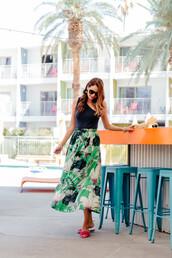 skirt,maxi skirt,palm leaf printed skirt,one shoulder top,sandals,blogger,blogger style