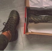 shoes,nike,nike shoes,nike air,khaki,sneakers,low top sneakers