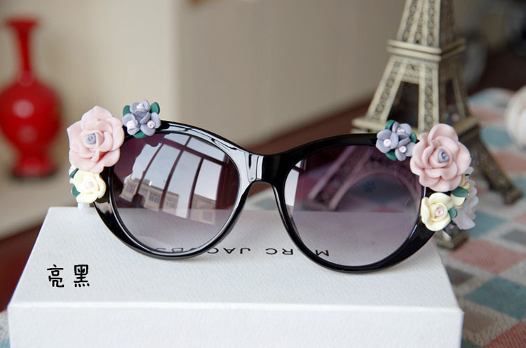 2014 Hot Fashion Women Female Baroque Vintage Sunglasses  Rose Shades Sun glasses Women Lady De Sol Gafas Free Shipping-inSunglasses from Apparel & Accessories on Aliexpress.com