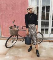 sweater,black sweater,knitted sweater,mini skirt,leopard print,satin,boots,handbag,sunglasses