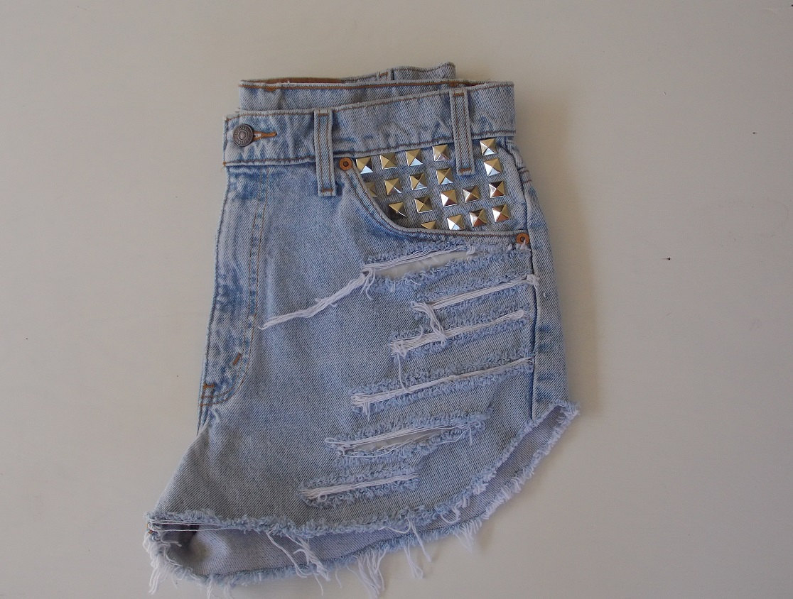 Size 33 High Waist Levis Cut Off Denim Jean Shorts w/ Silver Pyramid Studs