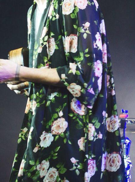tyler joseph floral kimono outfit