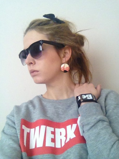 sweater red twerk it sunglasses bench