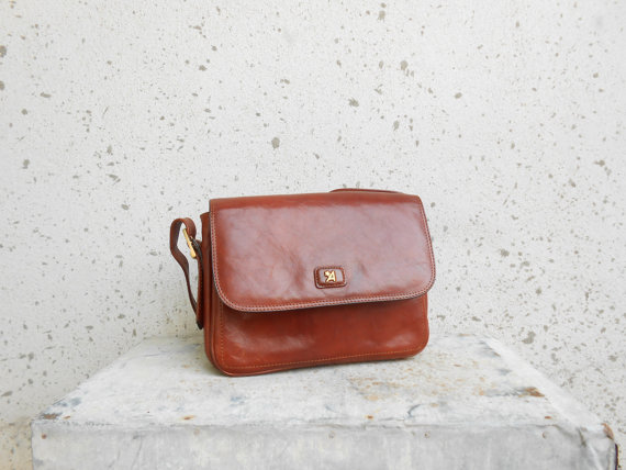 Brown Vintage Leather Shoulder Bag / Leather by VindicoShop