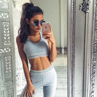tights activewear grey tights sporty luxe sunglasses aviator sunglasses black sunglasses black and gold