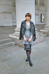 dress,tumblr,mini dress,grey dress,jacket,black jacket,leather jacket,black leather jacket,tights,boots,black boots,ankle boots,bag,black bag
