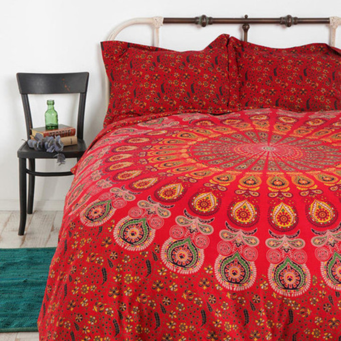 bedspread bedding pattern patterned circle scarf red